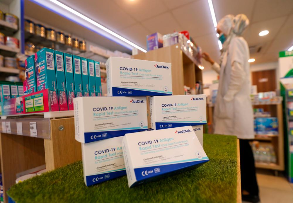 The government has decided to cap the retail price of Covid-19 antigen rapid test kits intended for self-testing at RM19.90 each. The price controls take effect on Sept 5 under the Price Control Anti-Profiteering Act 2011 and Control of Supplies Act 1961. Asyraf Rasid / TheSun