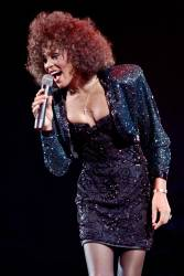 US singer Whitney Houston performing at the POPB (Bercy hall) in Paris in 1988. © BERTRAND GUAY / AFP