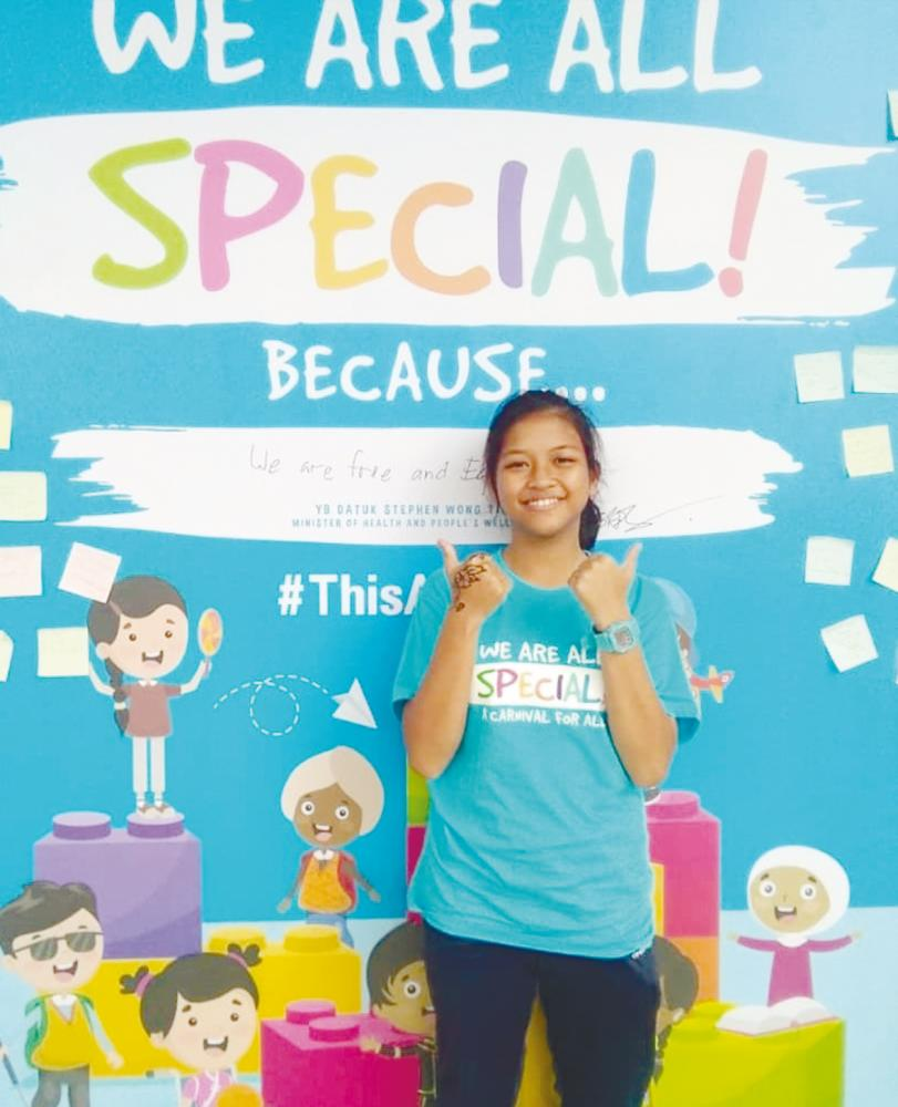 Jane advises students with special needs not to give up in any situation.