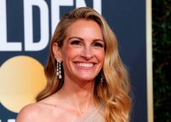 6th Golden Globe Awards - Arrivals - Beverly Hills, California, U.S., January 6, 2019 - Julia Roberts. REUTERS/Mike Blake/File Photo