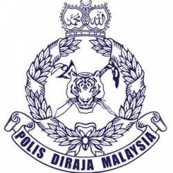 Police arrest two couples found packaging drugs