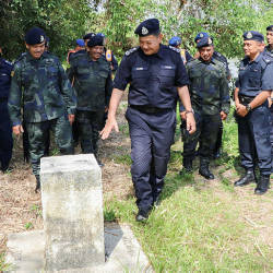 Inspector-General of Police Datuk Seri Abdul Hamid Bador (front) during a visit to the Kelantan side of the Malaysia-Thailand border, on May 22, 2019. — Bernama