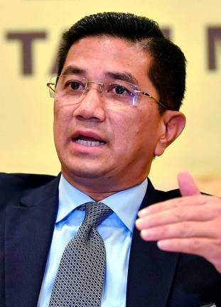 Azmin dismisses old video showing support for Shafie