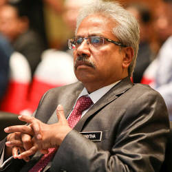 Waytha Moorthy sues Lokman Adam over defamatory speech on Adib's death