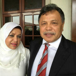 Filepix of NFCorp director Datuk Seri Dr Mohamad Salleh Ismail (R) and his wife Tan Sri Shahrizat Abdul Jalil (C), in this picture taken on Nov 24, 2015. — Bernama