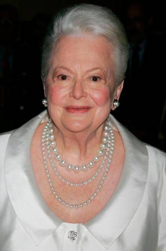 (FILES) In this file photo taken on June 15, 2006 US actress Olivia de Havilland attends the Academy of Motion Picture Arts and Sciences' tribute to herself at the Academy of Motion Picture Arts and Sciences in Beverly Hills, California. / AFP / GETTY IMAGES NORTH AMERICA / David Livingston
