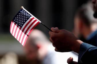 White House not considering 3-month tariff deferral - Navarro 1