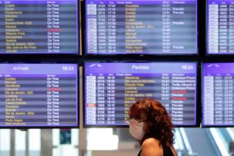 Governments scramble to prop up airlines as flight and job cuts soar 1