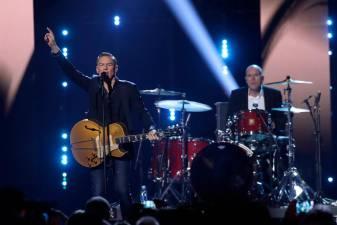 Singer Bryan Adams apologises for coronavirus conspiracy rant