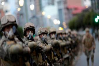 Wingsuit jumper brings the 'cool' to Chinese sport