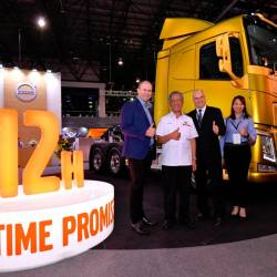From left: Peden, deputy minister of transport Datuk Kamarudin Jaffar, Swedish Ambassador to Malaysia y Dag Juhlin-Dannfelt, and Volvo Malaysia vice-president of marketing and business development Karen Tan, at the launch of Uptime Promise, next to the FH13.