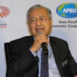 Prime Minister Tun Dr Mahathir Mohamad during a press conference after launching Apec 2020 at Cyberjaya today. — Bernama