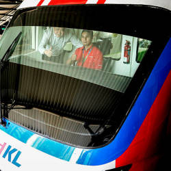 Two sets of four-coach KL monorail trains begin operations: Prasarana