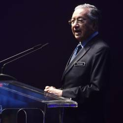 Prime Minister Tun Dr Mahathir Mohamad gives a speech at the Beyond Paradigm Summit 2019 today. - Bernama