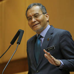 Health Minister Datuk Seri Dr Dzulkefly Ahmad speaking at the Health Ministry's Innovation Day 2019 celebrations yesterday at Putrajaya. — Bernama