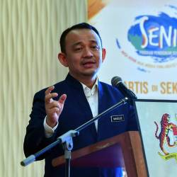 Education Minister Dr Maszlee Malik delivers a speech during the opening ceremony of the Cendana Arts Education Programme at the Ministry of Communications and Multimedia on Aug 23, 2019. - Bernama