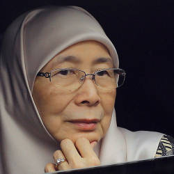 Two million face masks distributed to students nationwide: Wan Azizah