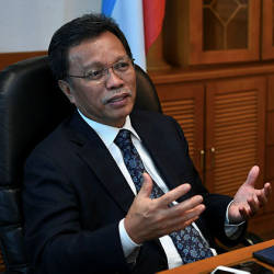 Flying doctor service to Sabah to resume: Mohd Shafie