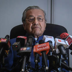 Prime Minister Tun Dr Mahathir Mohamad speaks at a press conference at the Al-Bukhary Foundation, Kuala Lumpur on April 19, 2019. — Bernama