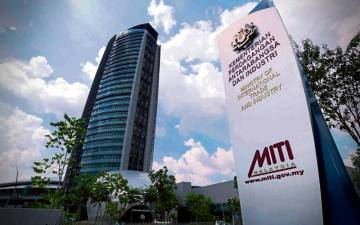 Malaysia's trade surplus widens to RM22.12 billion in October 2020