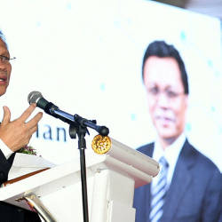 Shafie says video of him equating Bersatu with Umno is an old clip