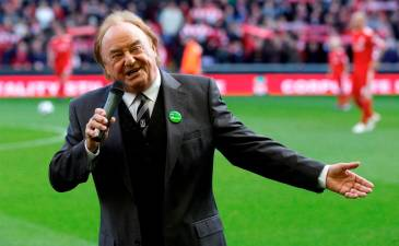 Gerry and the Pacemakers star Gerry Marsden dies aged 78