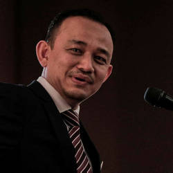 Maszlee in Paris for Unesco General Conference
