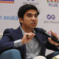 Avoid friendly fire, discuss things internally, Syed Saddiq tells DAPSY