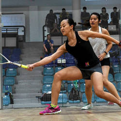 Zoe Foo (right) in a match against Low Wee Wern.