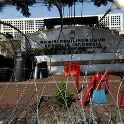 Barbed wires are seen outside the General Election Commission (KPU) headquarters ahead of the announcement of the presidential election results after the last month election in Jakarta, Indonesia, May 20, 2019. - Reuters