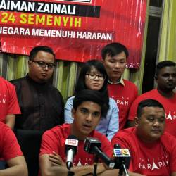 Youth and Sports Minister Syed Saddiq Syed Abdul Rahman (C) speaks during a press conference after the PH Youth Meeting for the N24 Semenyih State Legislative Assembly by-election, on Feb 20, 2019. — Bernama