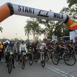 The launch of the state-level Fit Malaysia 2019 programme in Shah Alam on March 24, 2019. — Bernama
