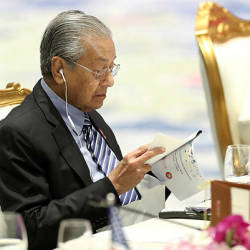 Malaysia must take countermeasures against palm oil trade barriers: Mahathir