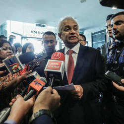 AG calls on Najib to apologise for using social media to defend his conduct