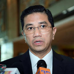 Azmin absent on second day of PKR retreat
