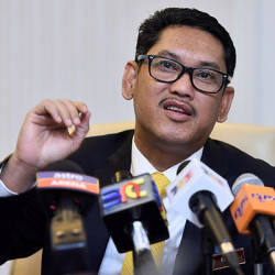 Perak MB refutes accusation that PH practises cronyism