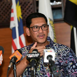 Perak bans use of community halls for political purposes