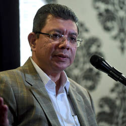 Have healthy debate on Lynas: Saifuddin