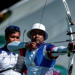 National archer Khairul Anuar Mohamad competes in the men's archery team recurve category at the 30th SEA Games in the Philippines today. - Bernama