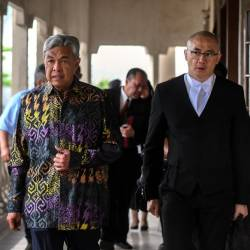 Umno president Datuk Seri Ahmad Zahid Hamidi (C) presents at the sessions court, on Feb 20, 2019 to face an additional charge of RM260,000 in CBT by Yayasan Akalbudi, three years ago. — Bernama