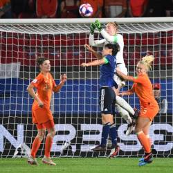 Netherlands' goalkeeper Sari van Veenendaal (up) makes a save during the France 2019 Women's World Cup round of sixteen football match between Netherlands and Japan, on June 25, 2019, at the Roazhon Park stadium in Rennes, north western France. - AFP