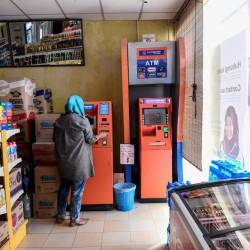 Residents from around Gugusan Felda Sungai Koyan want more automated teller machines (ATMs) and cash deposit machines (CDMs) in the area. — Bernama