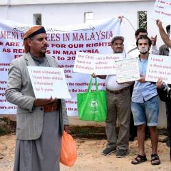 Yemeni refugees community leader Waleed Al Fakeh leads a demonstration in front of the United Nations High Commissioner for Refugees in Kuala Lumpur on June 19, 2019. — Bernama