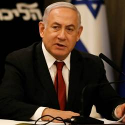 Israeli Prime Minister Benjamin Netanyahu has abandoned his hopes of forming a new right-wing governing coalition and call on his rival Benny Gantz to form a unity government with him. — AFP