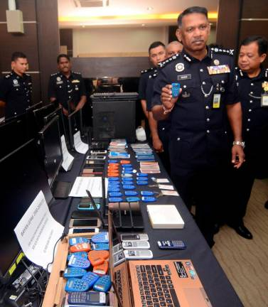 Police have busted an online gambling syndicate with the arrest of 16 Indonesians, including five women.