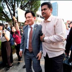 Perak Executive Council chairman Paul Yong Choo Kiong, arrives at the Ipoh sessions court, on Aug 23, 2019. — Bernama