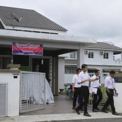 Negri Sembilan Social Welfare Department staff conducts an inspection on a senior citizens' home in Seremban 3, on June 18, 2019. - Bernama