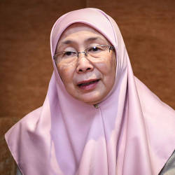 M'sia prepared to assist in matters for benefit of Muslims in France: Wan Azizah