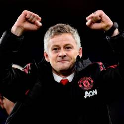 Soccer-Giggs backs Solskjaer as permanent Man United manager