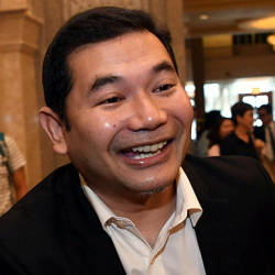 Rafizi downplays rumours of forming new party with Nurul Izzah and KJ